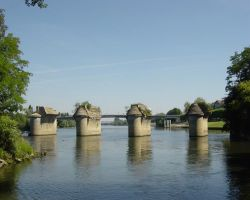 The old bridge at Poissy marks the entrance to the narrow backwater