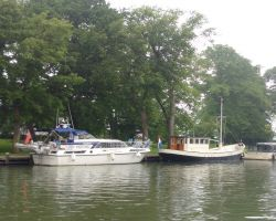 Moored up on open side of haven in Hoorn