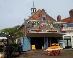 Edam cheese weigh house