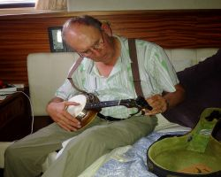 Playing my ukulele in Edam and looking very much like my late Dad!!