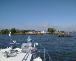 Approaching Oorgat Edam channel from Markermeer