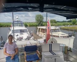 The free quiet moorings I chose at Heeringveen Passantan Haven